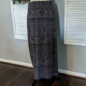 Ellen Tracy maxi skirt sz L gray and black